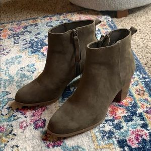 Old navy booties NWOT